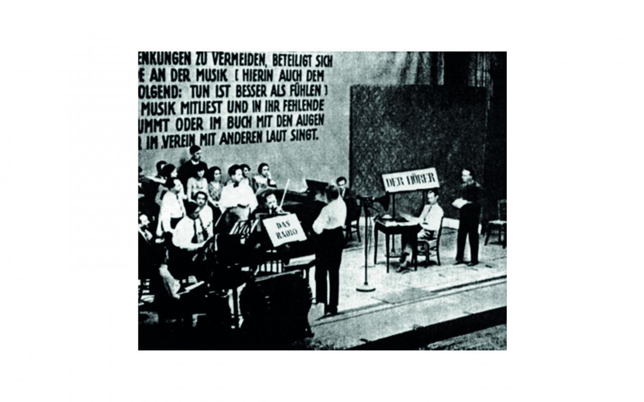 The premiere of the piece »Lindenbergpflug« on 27.7.1929, which was broadcast on the radio.