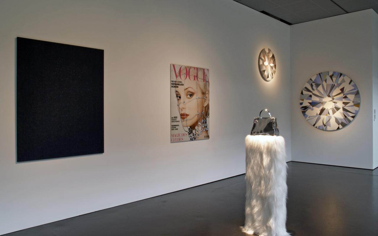 """Ausstellungsansicht """"Sylvie Fleury: 49000"""""""