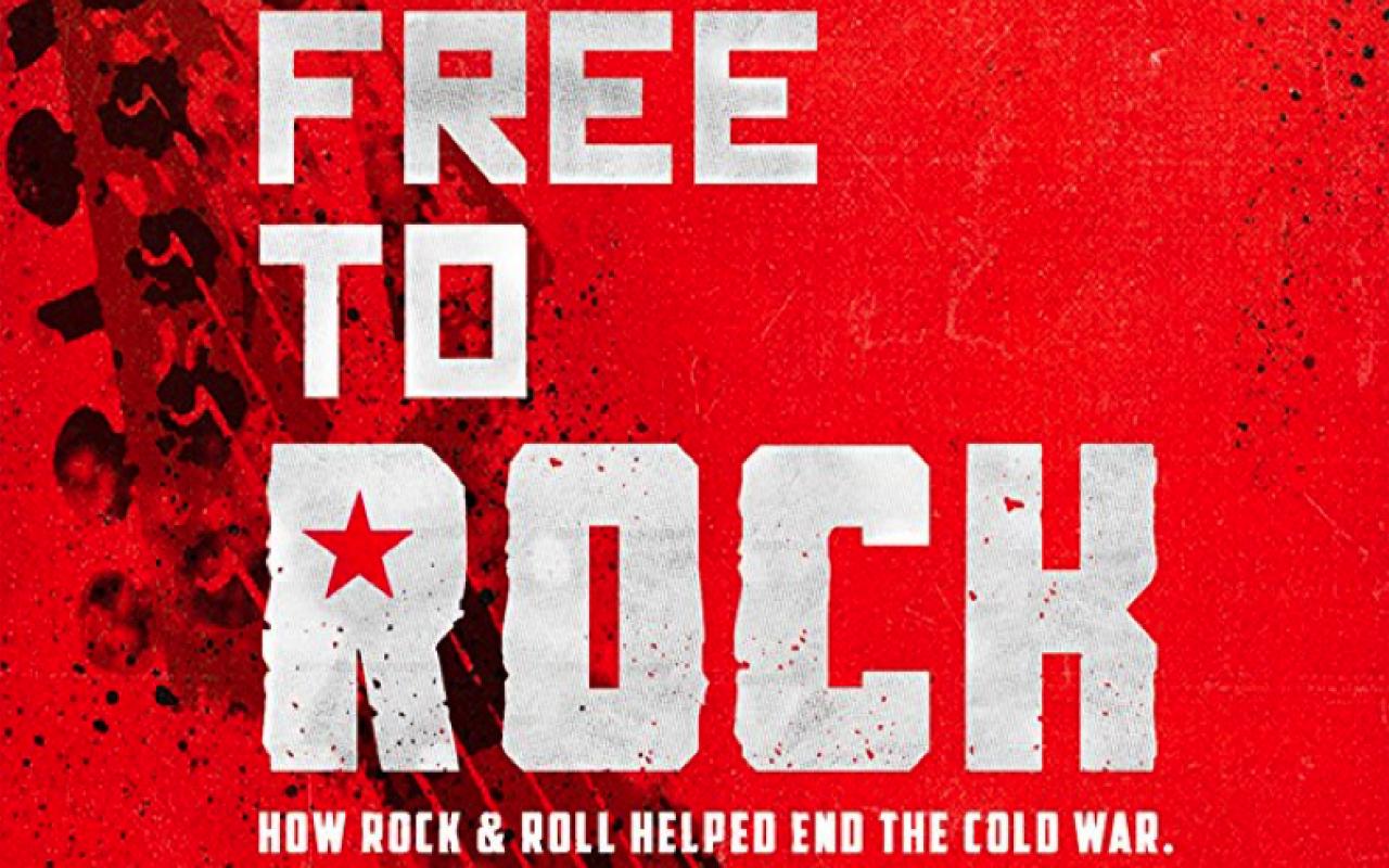 Zu sehen ist das Plakat des Filmes »Free to Rock«.