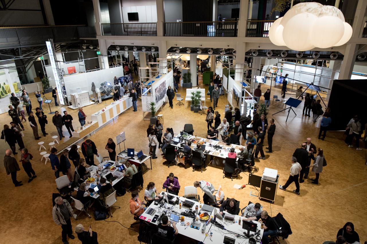 Blick in die Ausstellung »Open Codes. Leben in digitalen Welten«