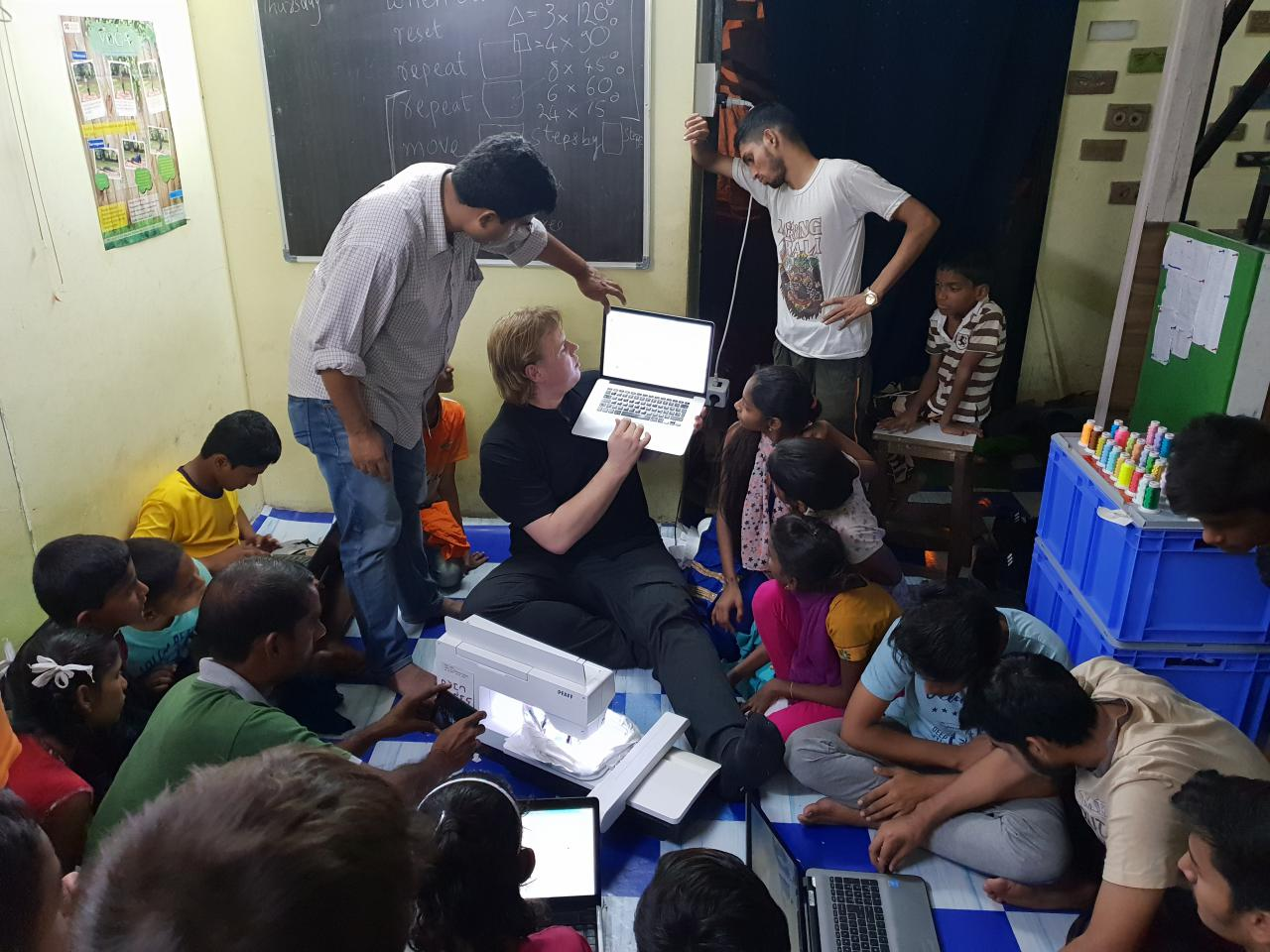 Participants of the »Digital Embroidery« Workshop at the Dr. Bhau Daji Lad Museum in Mumbai