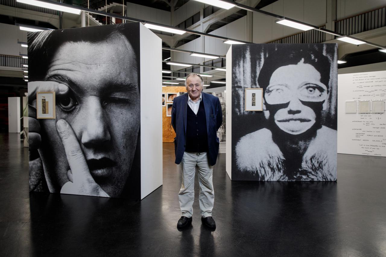 Blick in die Ausstellung »respektive Peter Weibel«