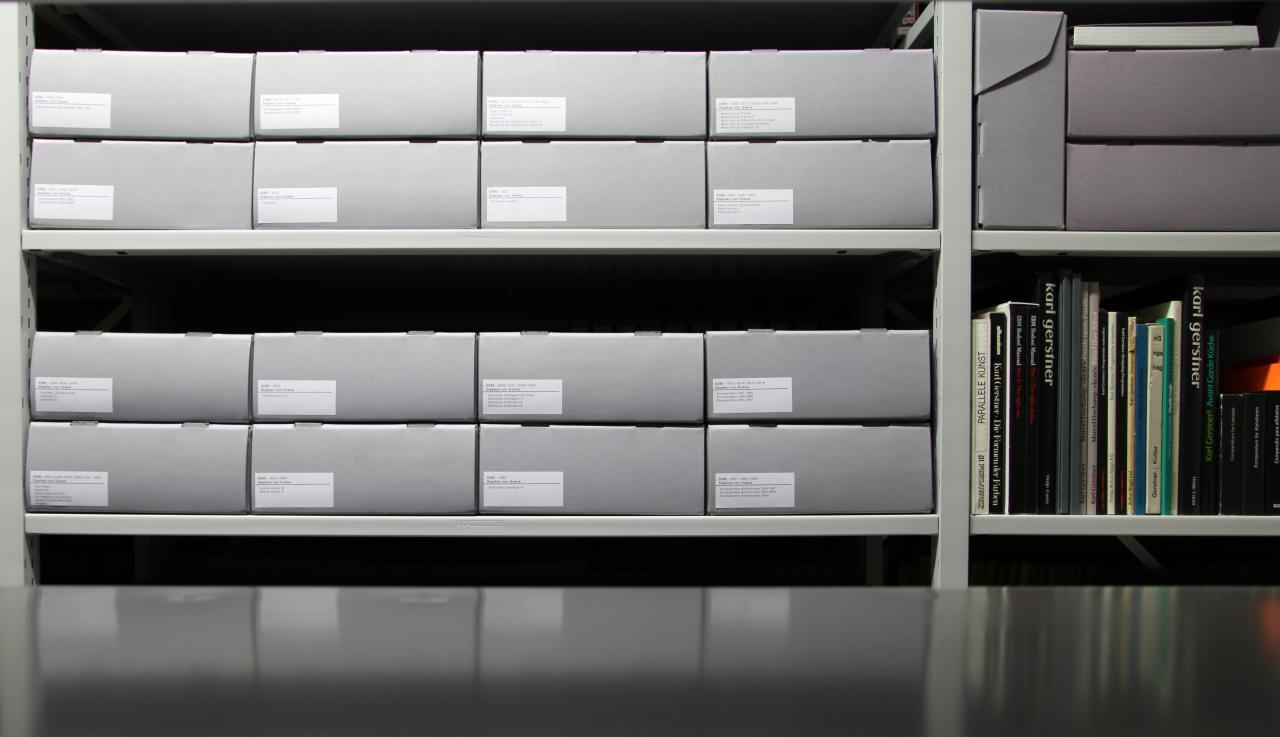 Blick in das Archiv des ZKM   Zentrum für Kunst und Medien Karlsruhe