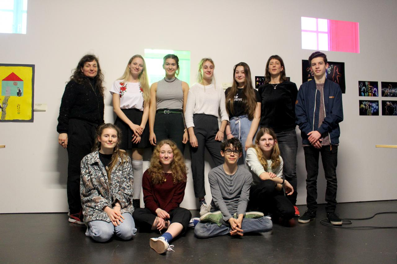 Eine Fotoaufnahme einer Schülergruppe im Rahmen der Veranstaltung »Art im Puls«.