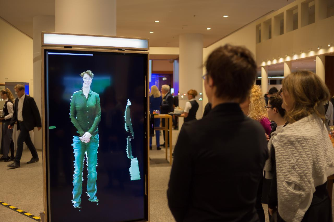 Impressionen der Ausstellung »Open Codes« in der Landesvertretung BW in Berlin.