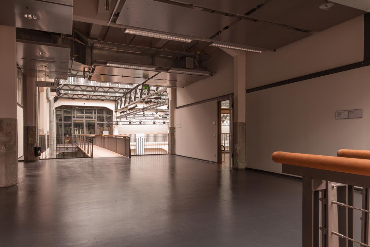 Access to the seminar room at the 2nd floor of the ZKM