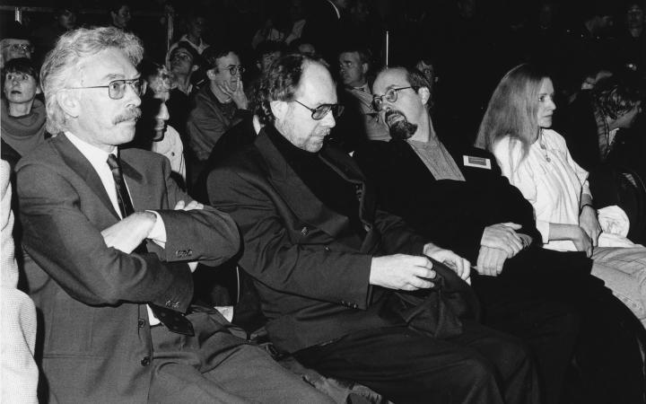 Nebeneinander sitzend: Friedrich Kittler, Klaus Schöning, Bill Viola und Sabine Schäfer