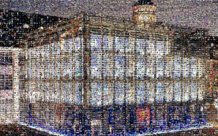 Der ZKM_Kubus als Mosaik: Aus vielen verschiedenen anderen Bildern zusammengesetzt.