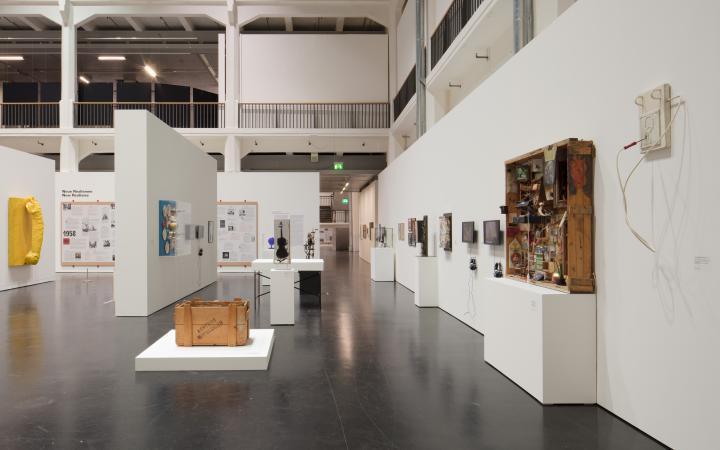 Blick in die Ausstellung »Kunst in Europa 1945-1968«.