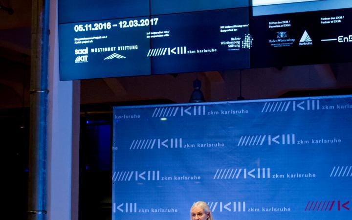 Christiane Riedel bei ihrer Rede zur Eröffnung der Ausstellung »Frei Otto. Denken in Modellen«