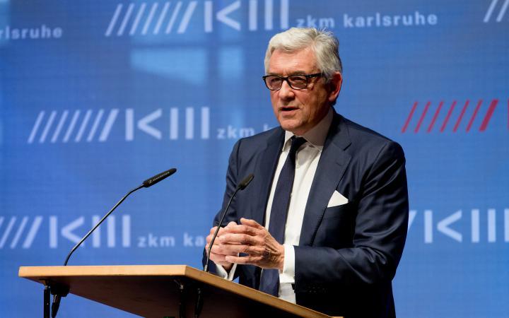 Walther Smerling bei seiner Rede