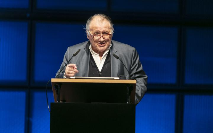 Welcoming of Prof. Dr. Peter Weibel at an event in the context of the forum »Digital Worlds BW«