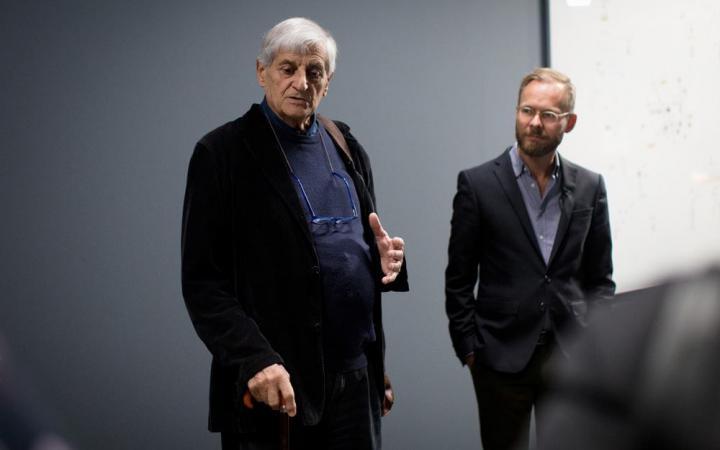 Gianfranco Baruchello bei der Eröffnung der Ausstellung »Certain Ideas« im ZKM.