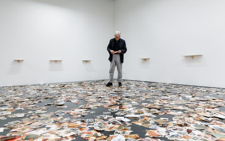 Dieter Hacker in der Ausstellung »Dieter Hacker. Alle Macht den Amateuren«