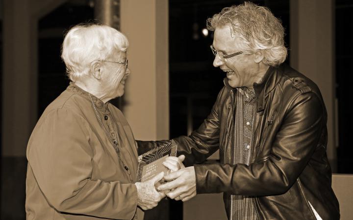 Pauline Oliveros erhält Giga-Hertz-Preis 2012 für ihr Lebenswerk