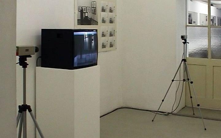 Raumansicht der Ausstellung »Peter Weibel. Sozialmatrix«