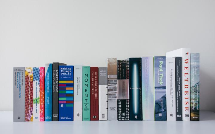 Verschiedene Publikationen des ZKM