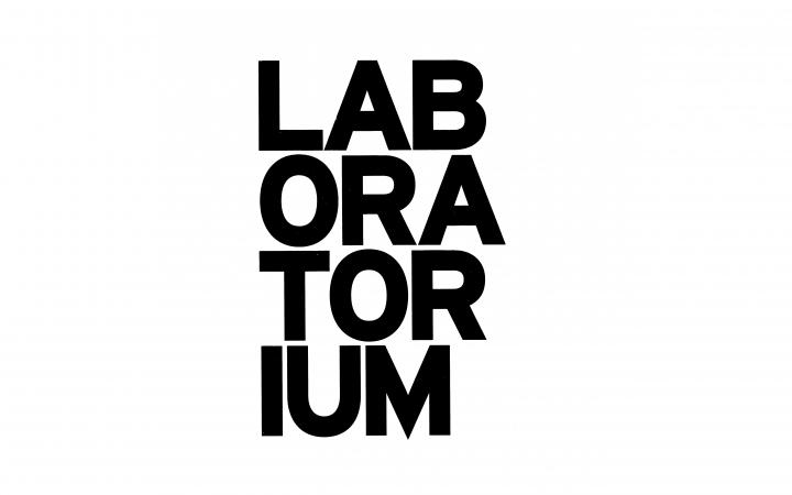 Schwarze Schrift auf weißem Grund: Laboratorium
