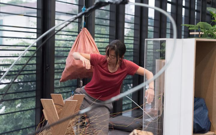 Performance in der Ausstellung »Edge of Now« at Nam June Paik Art Center, Yongin (Performer: Park Yura)