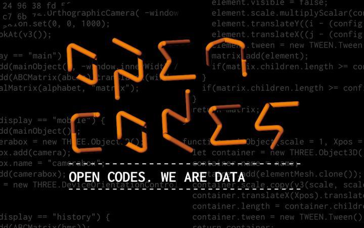 Der Text »Open Codes« in Orange vor einem schwarzen Hintergrund