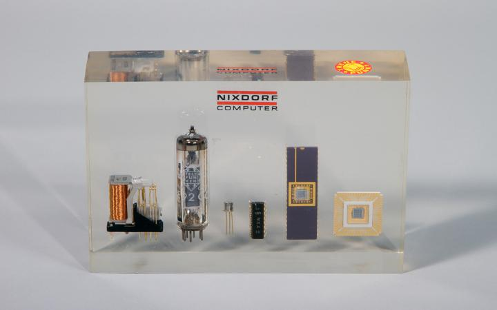 The development of relays up to the integrated circuit by Nixdorf GmbH, Paderborn