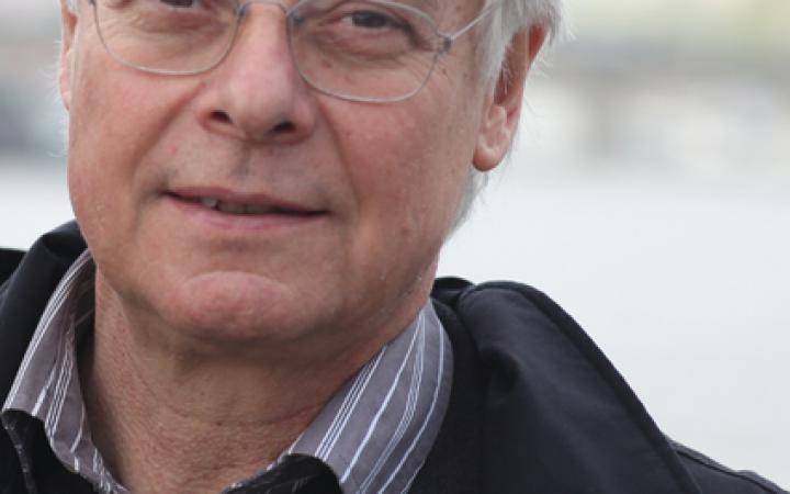 Portrait eines Mannes mit Brille