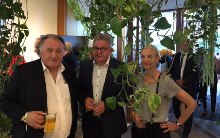 Das Bild zeigt Peter Weibel, Guido Wolf und Christiane Riedel.