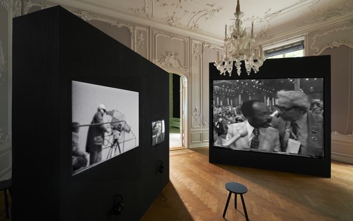 Blick in die Ausstellung Radical Software. The Raindance Foundation, Media Ecology and Video Art, West, Den Haag,