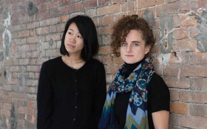 Portrait der Klangkünstlerinnen Rahel Kraft und Tomoko Hojo