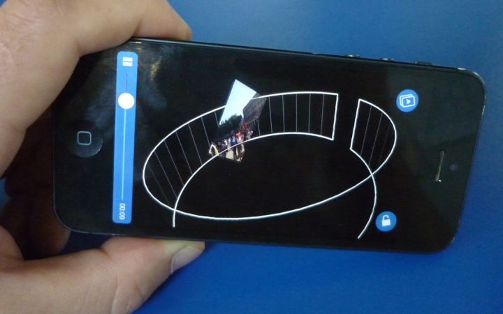 Handy display with a 360° view