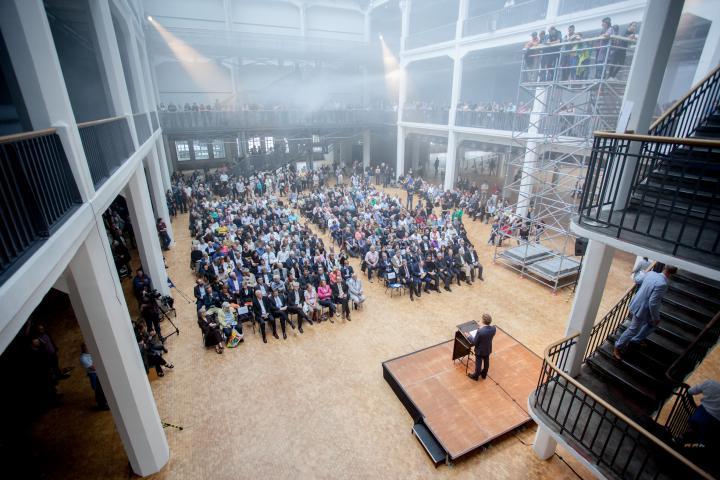 Speech of Karlsrue mayor in front of a crowd