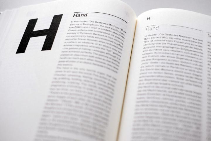 Blick in das Buch »Flusseriana«.
