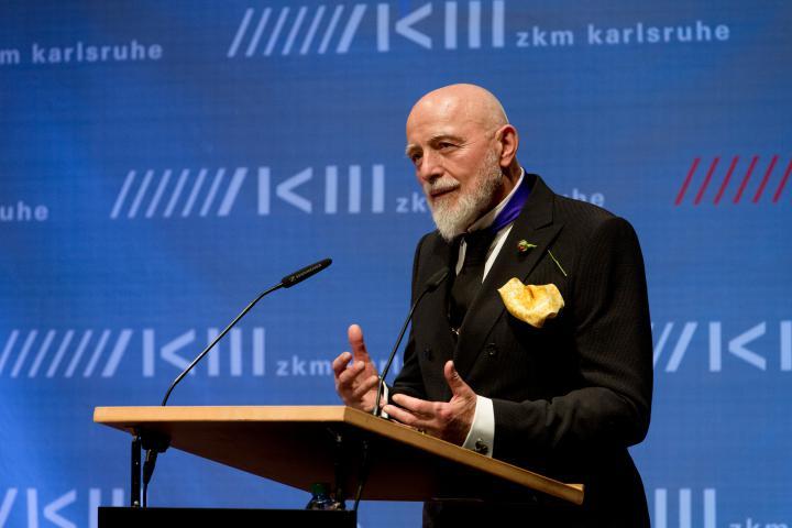 Markus Lüpertz bei seiner Rede an der Eröffnung