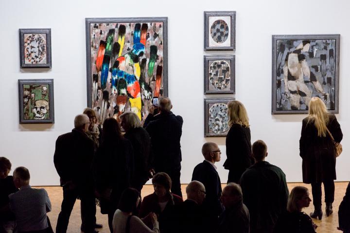 Besucher am Eröffnungsabend der Ausstellung »Markus Lüpertz«