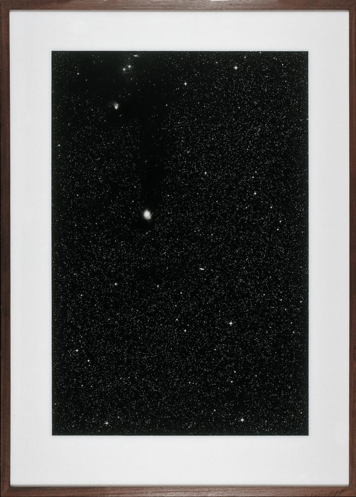 Sterne, 11h 00m - 75°