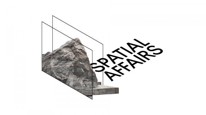 Lettering »Spatial Affairs« in spatial black lettering, next to an excerpt from a work by Alicja Kwade: atwo-dimensional image of a rock.