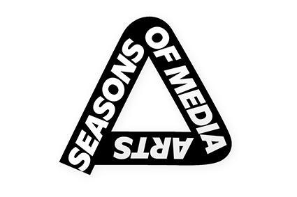 App Logo »ZKM one-liner«, ein Dreieck mit dem Schriftzug »Seasons of Media Arts«.