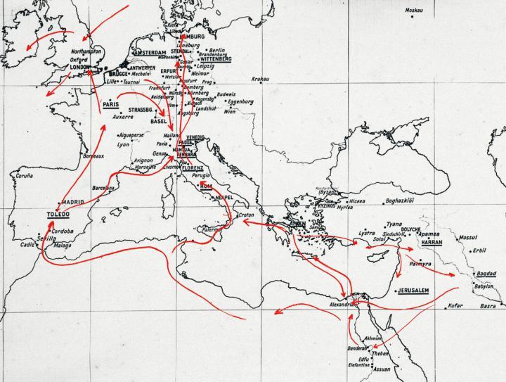 Karte Europas und Nordafrikas mit roten Pfeilen.